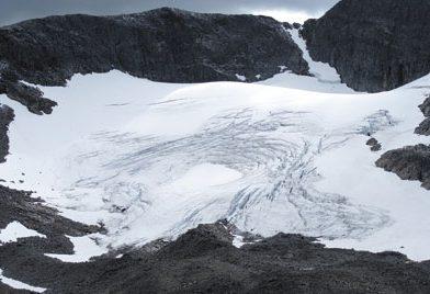 Sveriges sydligaste glaciär hotad
